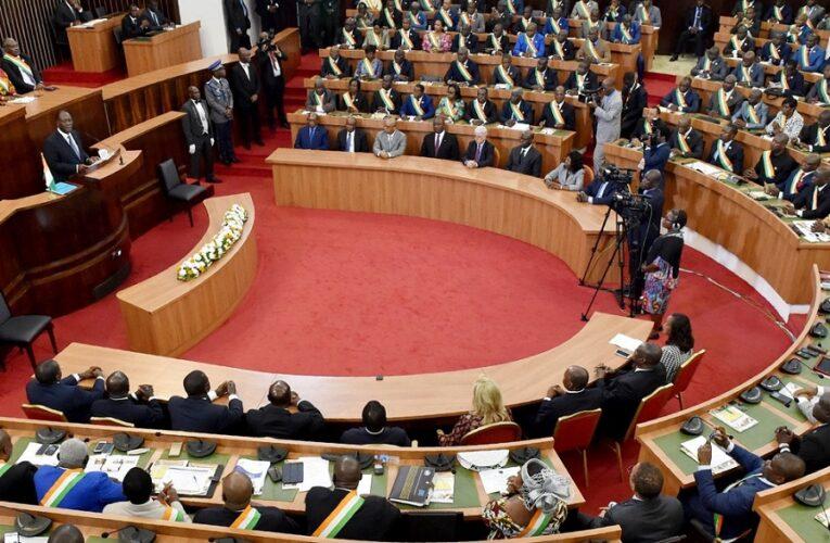 Yamoussoukro :  Le Senat achève son programme trimestriel avec 11 projets de loi adoptés